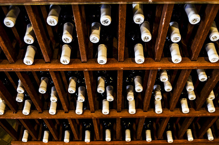 Door-County-Winery-Wine-Tops