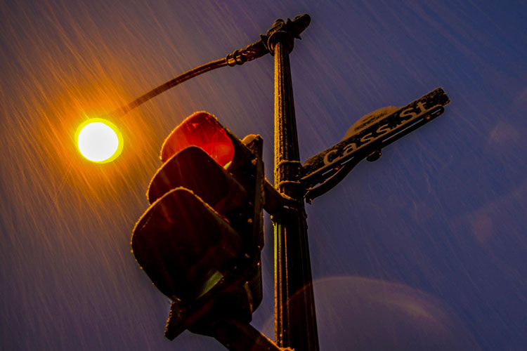 La-Crosse-Cass-Street-Lamp-In-Snow