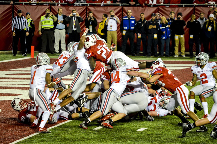 Madison-Camp-Randall-Badgers-Montee-Ball-Dive