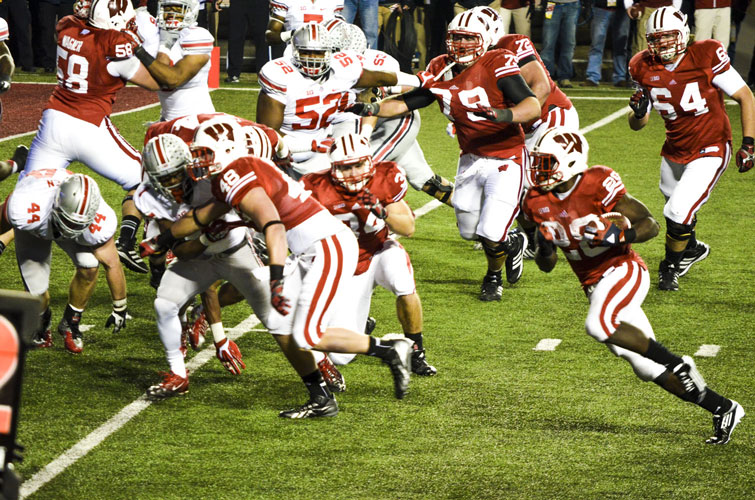 Madison-Camp-Randall-Badgers-Montee-Ball-Sweep