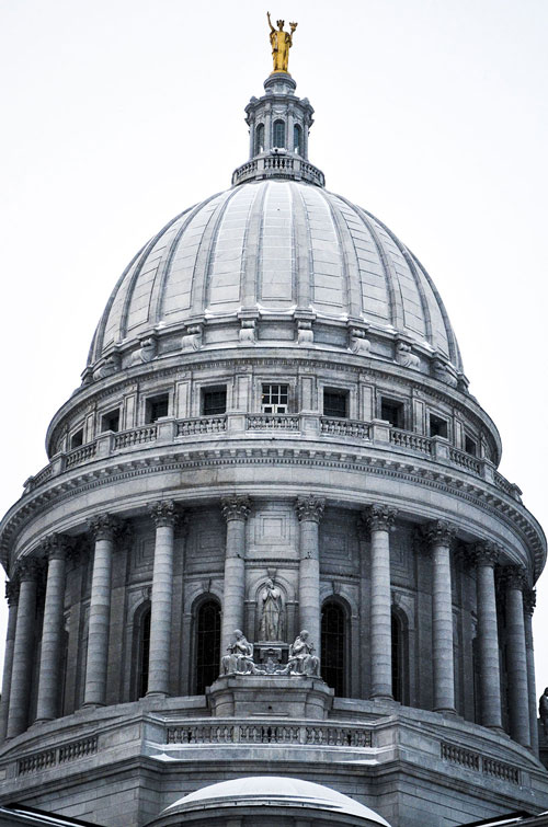 Madison-Capitol-Dome-On-Snow-Day