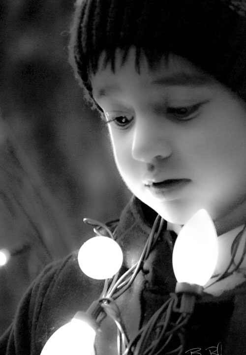 Soliders-Grove-Topher-With-Christmas-Lights-BlackandWhite